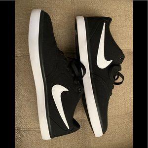 Nike SB Check Solar Soft 👟 Size: 10